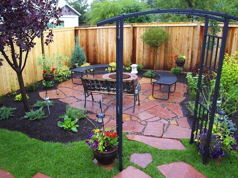 terraza con jardin pequeño