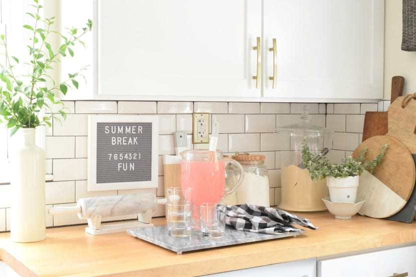 decoracion en la cocina de verano