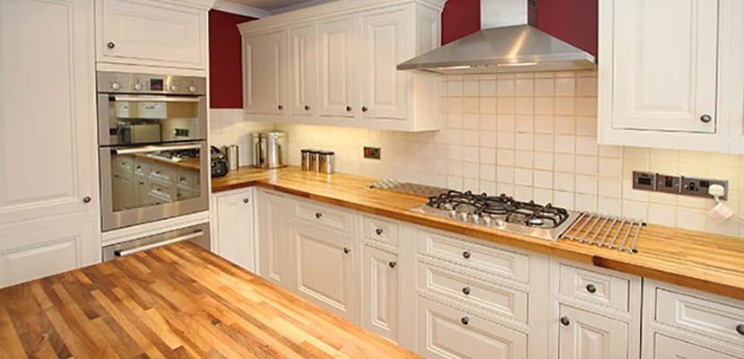 Cocina con madera