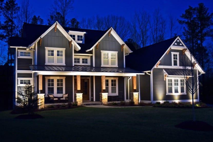 porche con iluminacion bonita