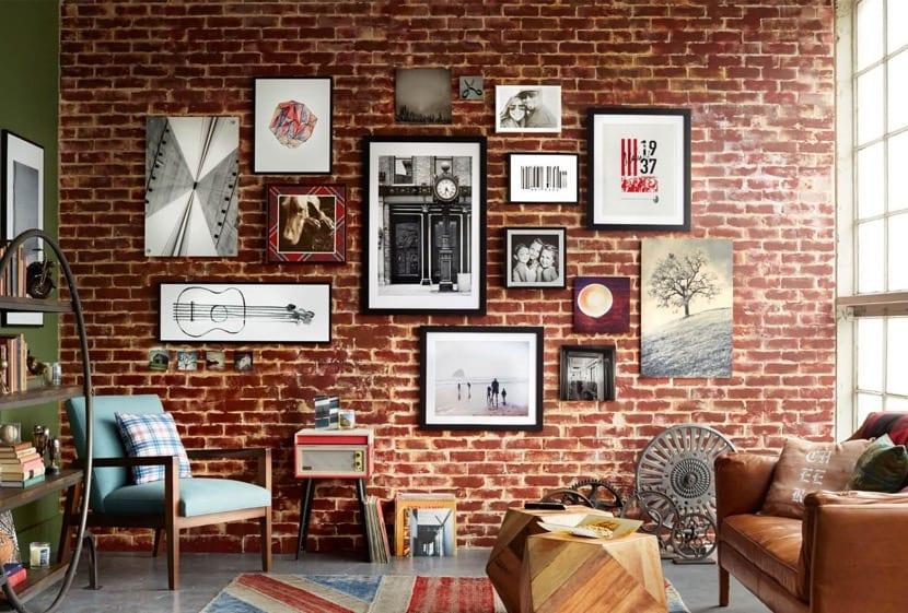 pared de ladrillos en una sala de estar