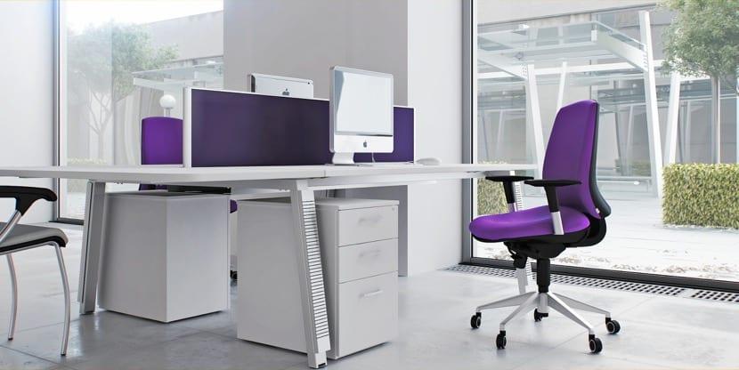oficina en casa blanco
