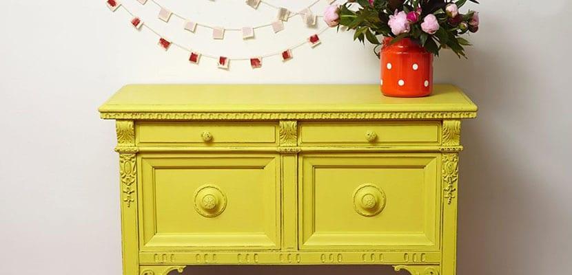 Manchas de pintura en muebles