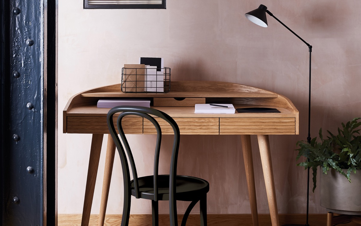 pequeño escritorio vintage