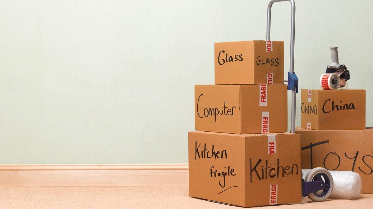 cajas con cristaleria para mudanza