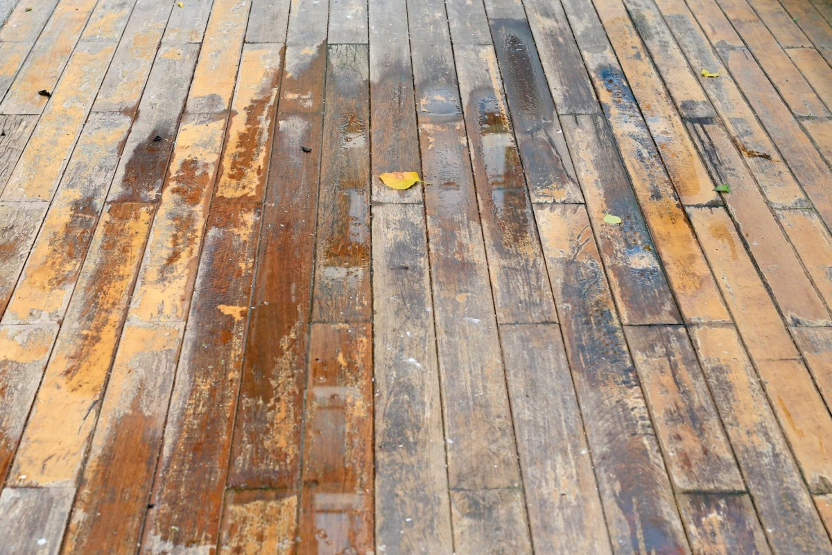 manchas de agua en madera