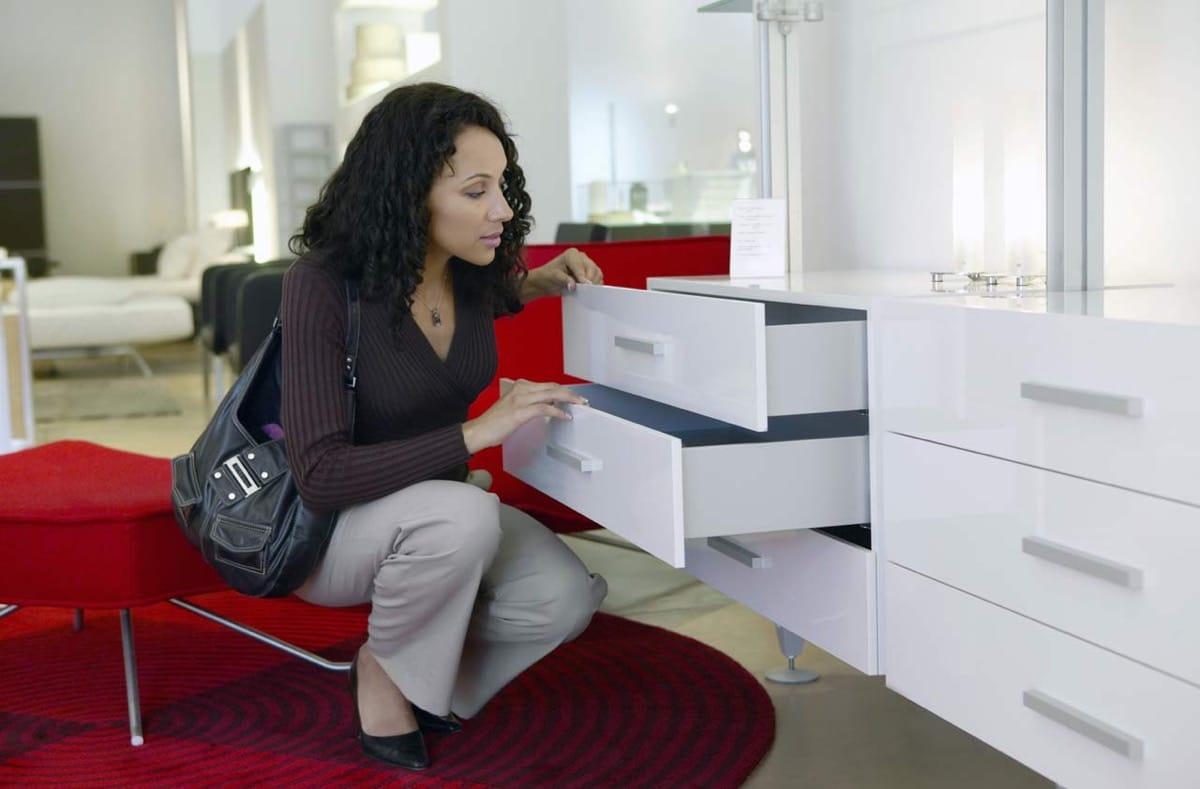 La mejor guía para comprar muebles básicos del hogar