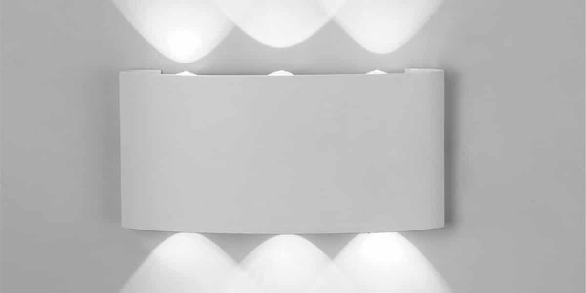 Aplique de pared blanco