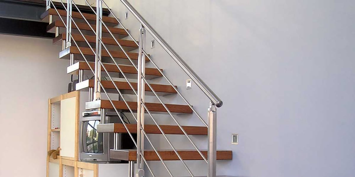 Escaleras con metal