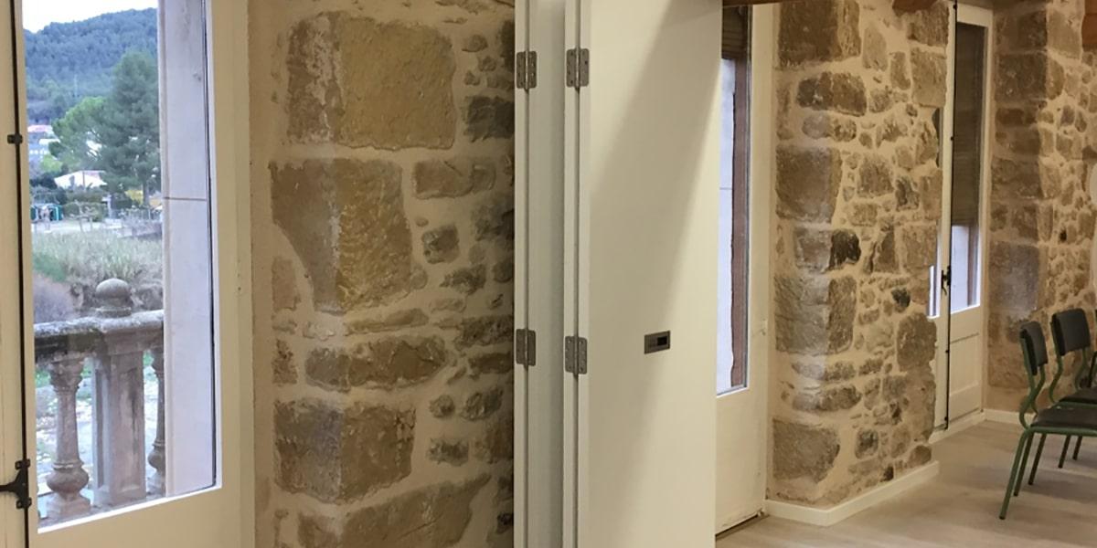 Puertas blancas plegables